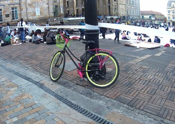 Bicicleta en Plaza Bolivar