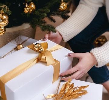 biwi ke liye gift