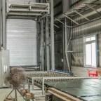 煌奇獨家設計,領先業界的150米長的大板補膠線,共擁有三座6米高塔式烘乾機