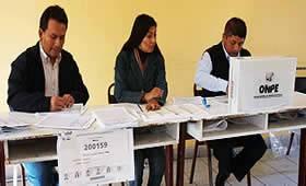 imagen-miembros-mesa-elecciones-peru1