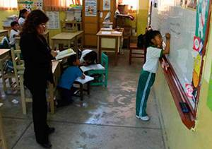 profesores huaral 20 colegios recibiran bono 3 mil