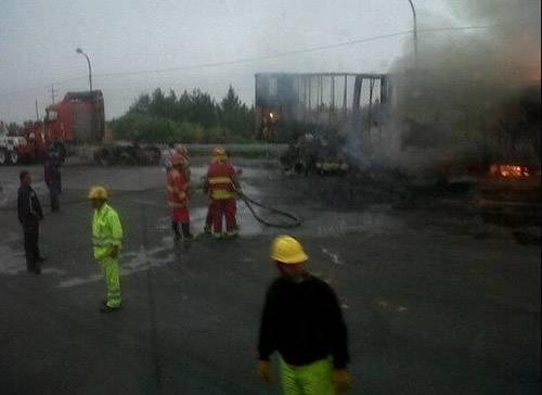 trailer se incendia incendi{o panamericana Huacho