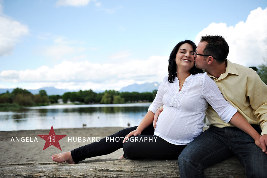 Vancouver maternity and newborn photographer Angela Hubbard photography