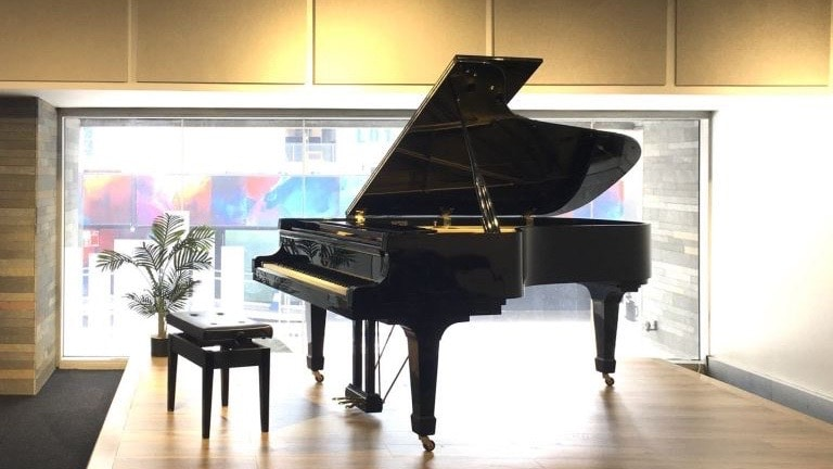 Rehearsal room with a 7 feet kawai grand piano. Suitable for concert, recital, rehearsal, lesson, photo shoot.