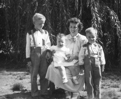 fam-9:51 Ruth & kids004