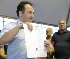 Prefeito de Valparaíso de Goiás assina ordem de serviço do projeto de infraestrutura e saneamento do Complexo Anhanguera
