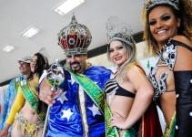Ibaneis entrega chave da cidade para Rei Momo e abre Carnaval do DF