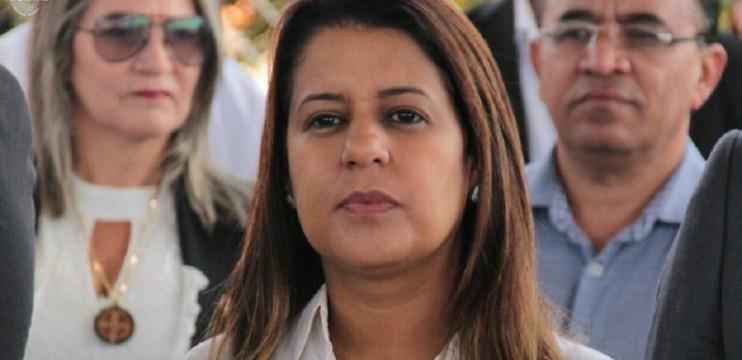 Entorno: Aleandra Sousa reassume Secretaria de Assistência Social de Águas Lindas
