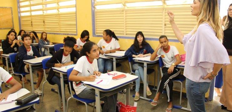 DF: Paula Belmonte debate sobre escolas militarizadas