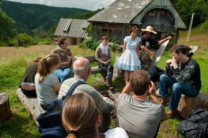 Students enjoy sunshine at the Organic Art Ranch