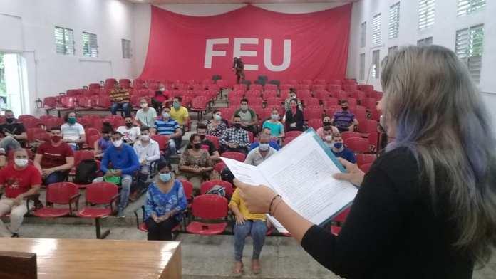 Cuba elimina pruebas de ingreso a la universidad para 2 carreras