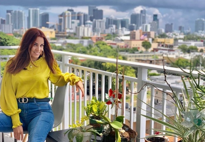 """Actriz cubana Yory Gómez votó por """"el futuro del país que le abrió sus brazos"""""""