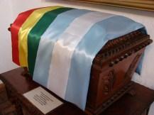 Urna donde descansan los restos de Juana Azurduy