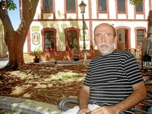 El autor del libro, Francisco García García.