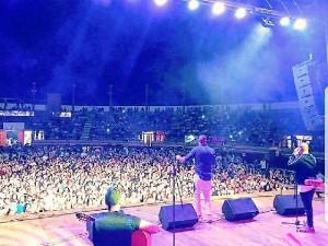 El onubense acompaña en gira nacional a Los Rebujitos.