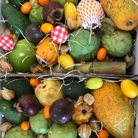 comprar surtido de frutas tropicales Granada