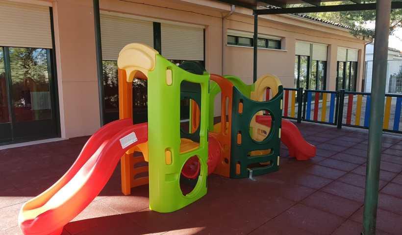 Patio de juegos de la escuela infantil de Huete, estrenado este año.