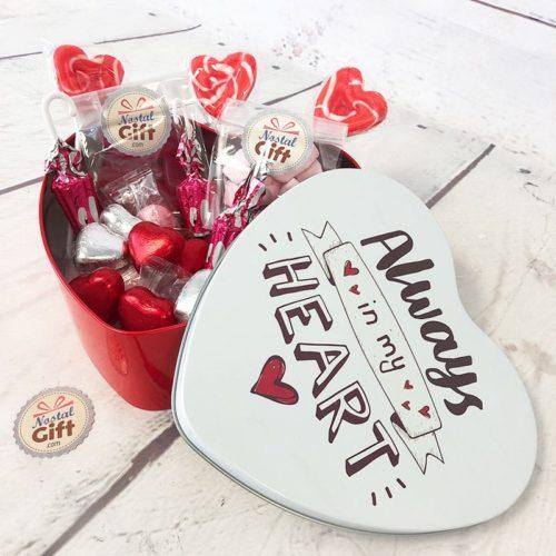 boite-bonbons-annes-60-coeur-rouge-blanc