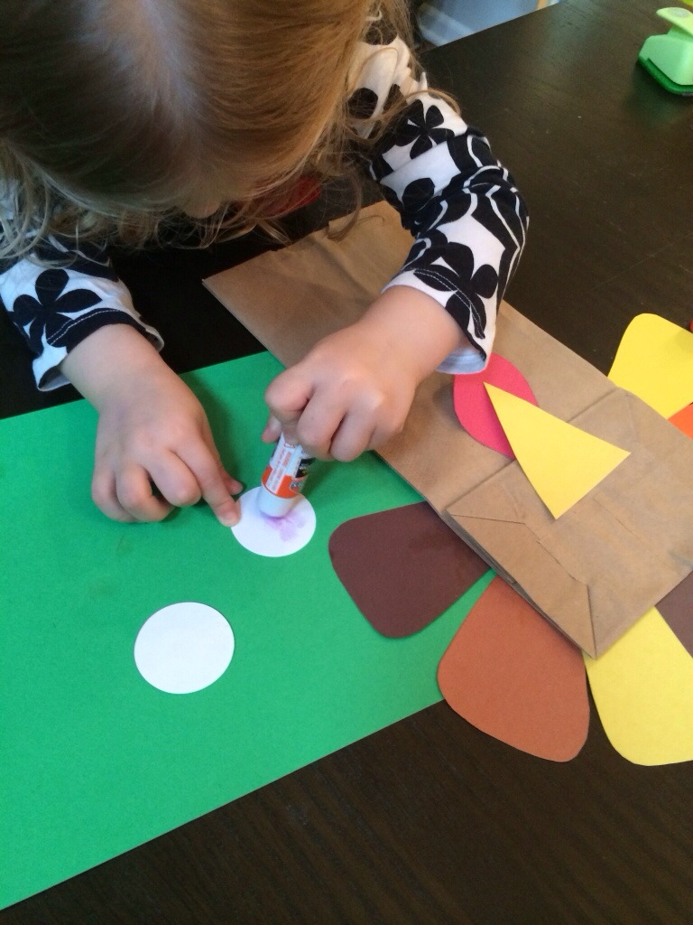 Toddler Activities - Turkey Puppet from Hugs are Fun