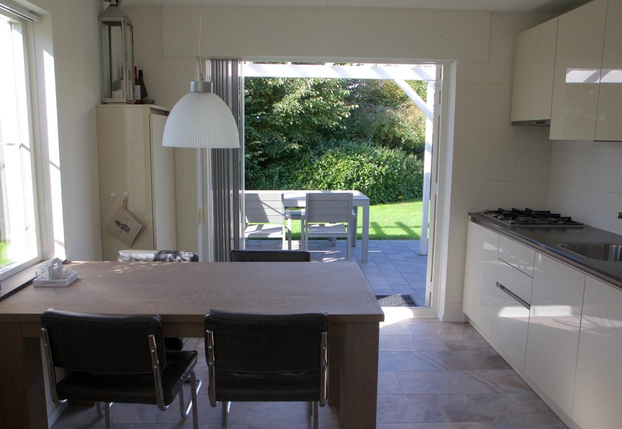Keuken Aan Tuin : Texel keuken doorkijk tuin u2013 huisje zout