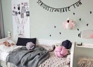 Meisjesbed kinderbed muursticker hartje letterslinger