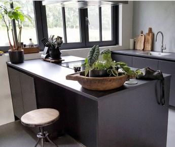 donkergrijze keuken