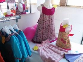 Des vêtements pour enfants faits main
