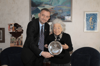 Mahmut Esat Bozkurt Ödülü Takdimi