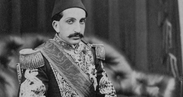 İkinci Abdulhamit 1876 yılında Kanunu Esasiyi ilan etmiştir.