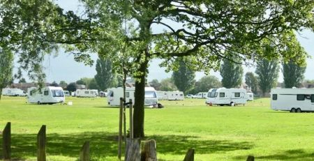 fury-as-travellers-pitch-up-on-west-hull-park-again