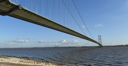humber-bridge-chaos-caused-by-drivers-caught-reversing