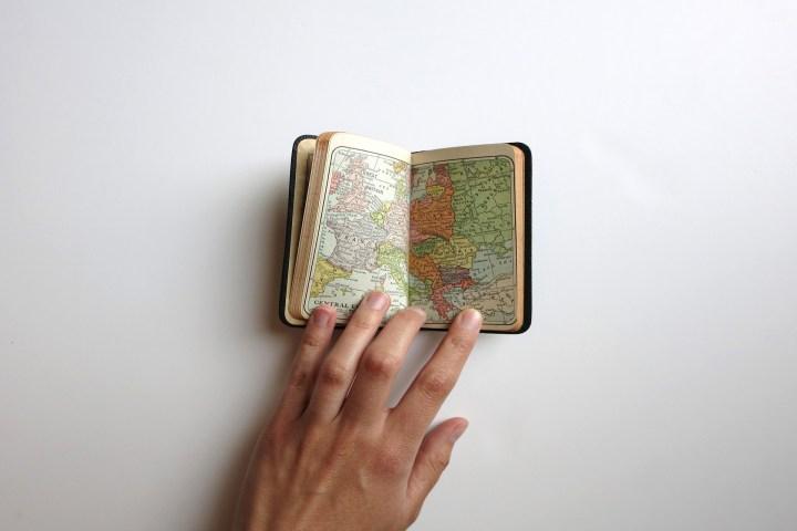 Как посетить весь мир за один год бесплатно