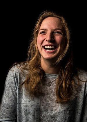 """Мод Фернхоут и её фотопроект """"Как смеются настоящие женщины"""""""