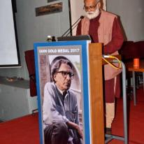 Prof. Akhtar Chauhan, President, IAHH reading out the citation of IAHH Gold Medal 2017 to Prof. B. V. Doshi
