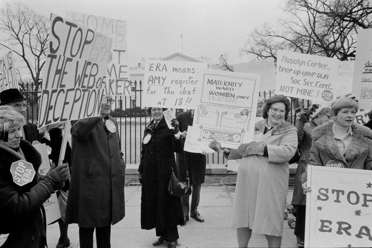 Protesting at the White House Against the ERA by Warren K. Leffler, 1977.