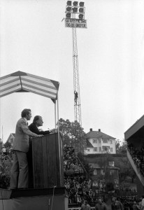 Billy Graham taler på Ullevaal stadion i Oslo, 24. september 1978. Møtet ble forsøkt stoppet av norske fritenkere. Foto: Bjørn Sigurdsøn, NTB/SCANPIX