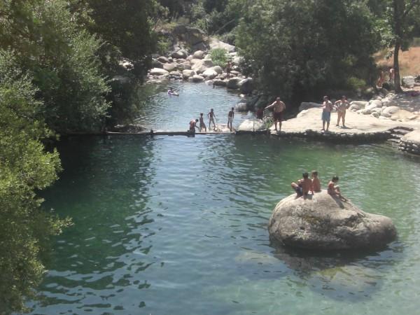 Inglés para familias excursión a piscinas naturales sierra de gredos