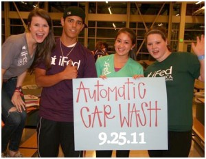 Volunteers at iFed carwash.