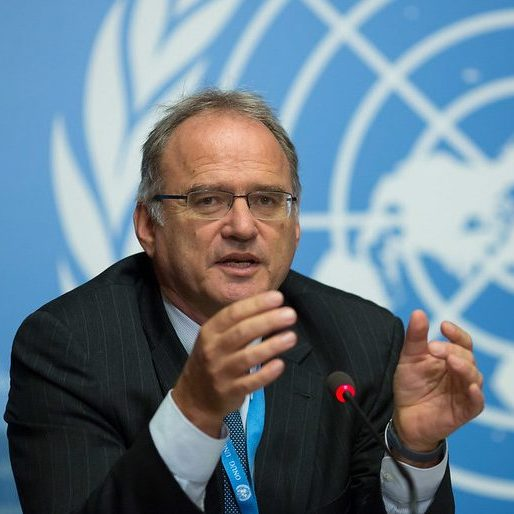 Christof Heyns speaking at the United Nations in Geneva, Switzerland against a UN backdrop. Credit: Maina Kiai.