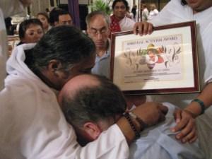 Amma_Spiritual-Activism-Award_Humanity-Healing