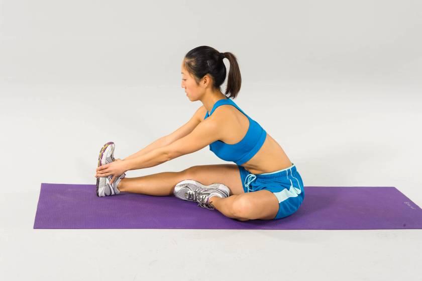 Static stretching vs. dynamic stretching: static stretch