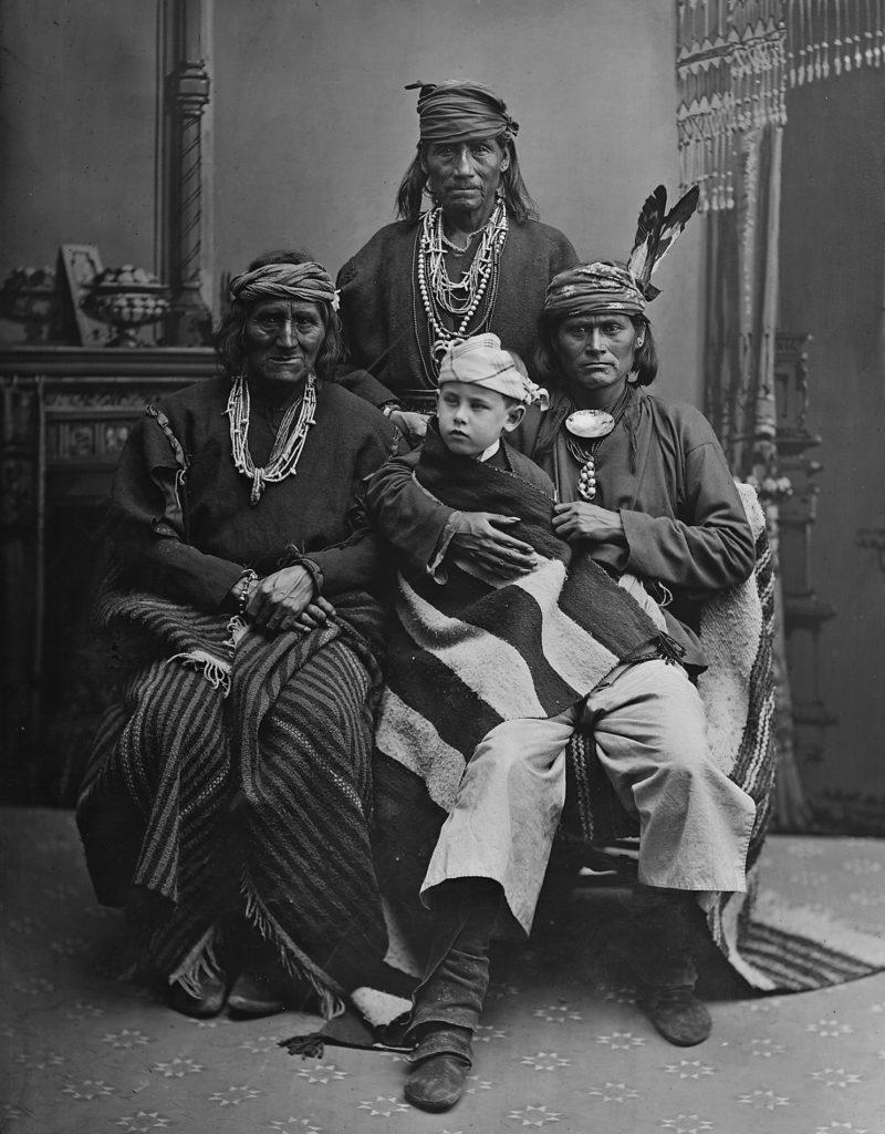 Zuni heimon päälliköitä.