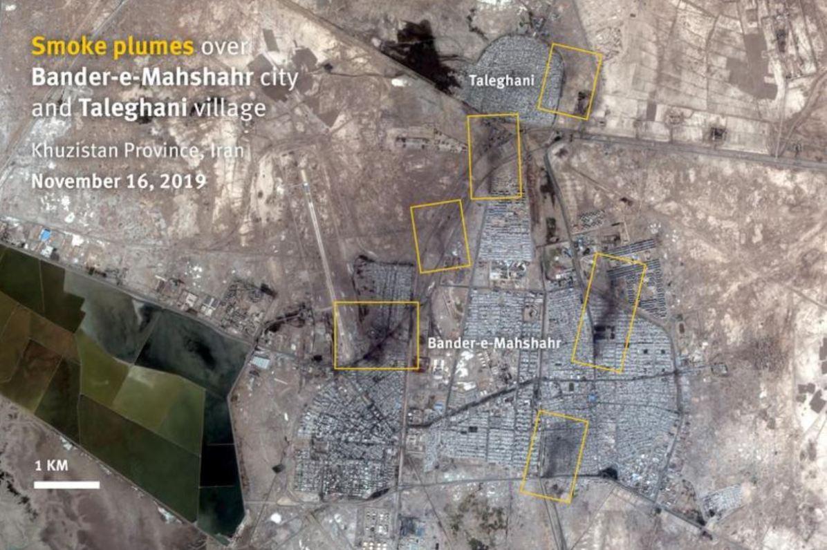 ستونهای دود برخاسته از بندر ماهشهر و شهرک طالقانی. استان خوزستان، ایران. تصویر ماهوارهای ضبطشده در ۱۶ نوامبر ۲۰۲۰