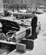 Street screen in 1950 with car mobile phone