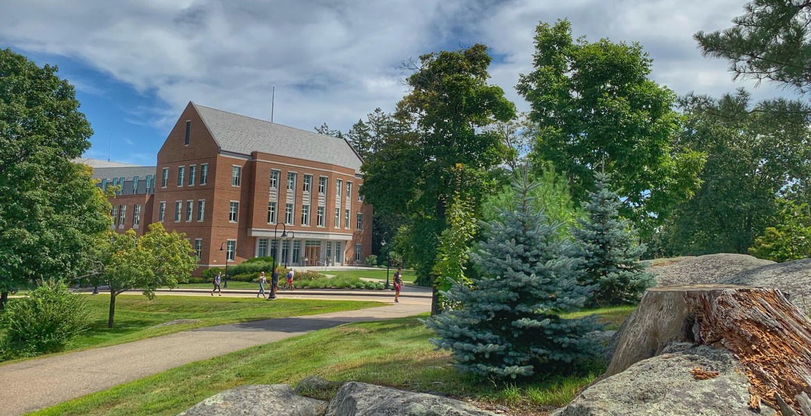 UNH Peter T. Paul College of Business and Economics