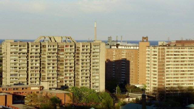 https://i2.wp.com/humberetc.ca/wp-content/uploads/2017/03/Moss_Park_Buildings_Toronto.jpg?resize=640%2C360