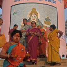 Lingam, ladies and candles
