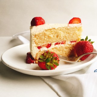 Vanilla-Strawberry Cake