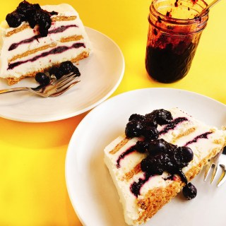 Blueberry-Lemon Icebox Cake with jam