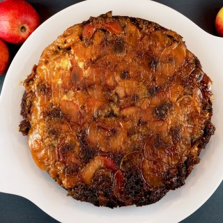 Gingerbread Cake with Apples